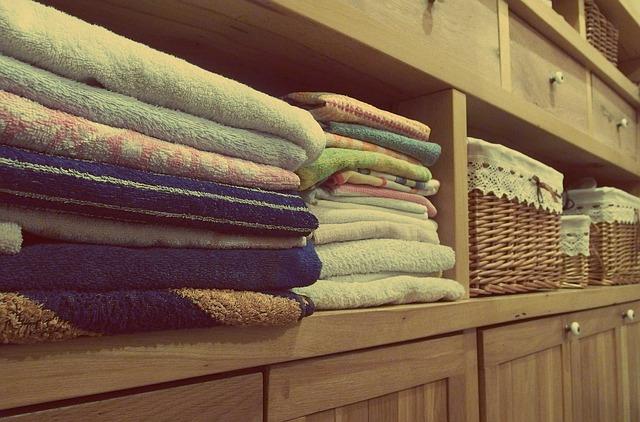 ručníky na komodě.jpg
