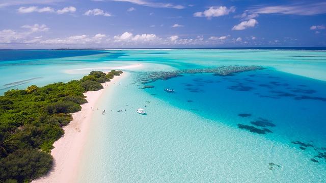 pláž Malediv.jpg